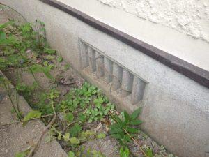 家屋への侵入口・・・通気口!